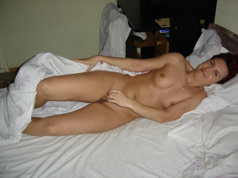 Супружеская парочка занялись оральными ласками - секс порно фото