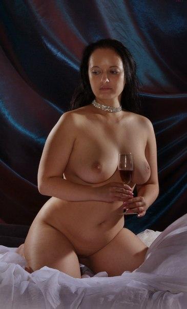 Безотказные фифы подставляют упругие попки - секс порно фото