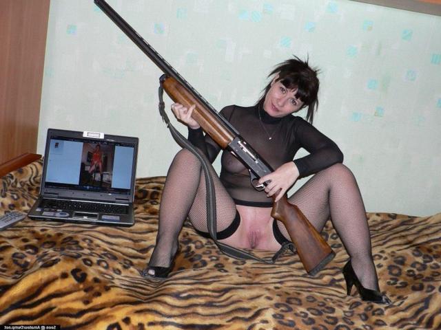 Мамаша любит похвастаться пикантными местами перед любовником - секс порно фото