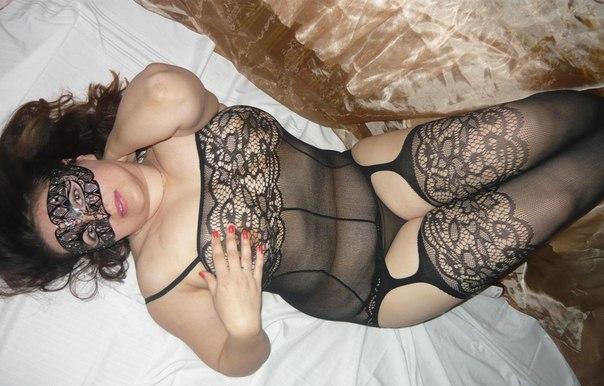 Одинокие дамы оголяют пилотки перед любовниками - секс порно фото