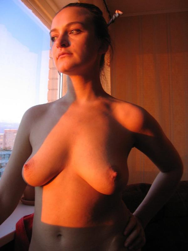 Сексапильная дама оголилась перед любовником - секс порно фото