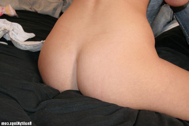 Качек активно поимел блонду в обе дырочки - секс порно фото