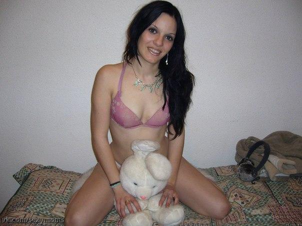 Любвеобильные барышни сверкают большими сиськами и промежностями - секс порно фото