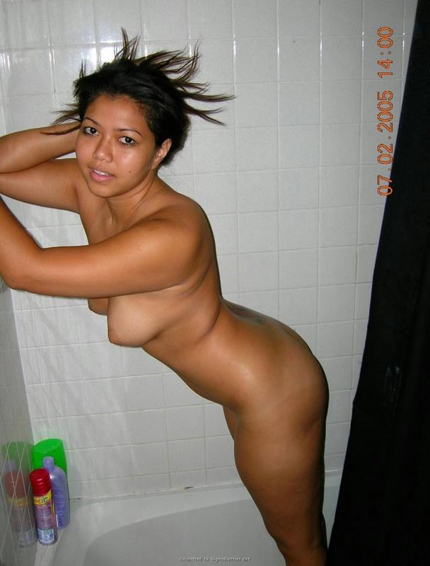 Две красотки покувыркались с ненасытным мужланом - секс порно фото