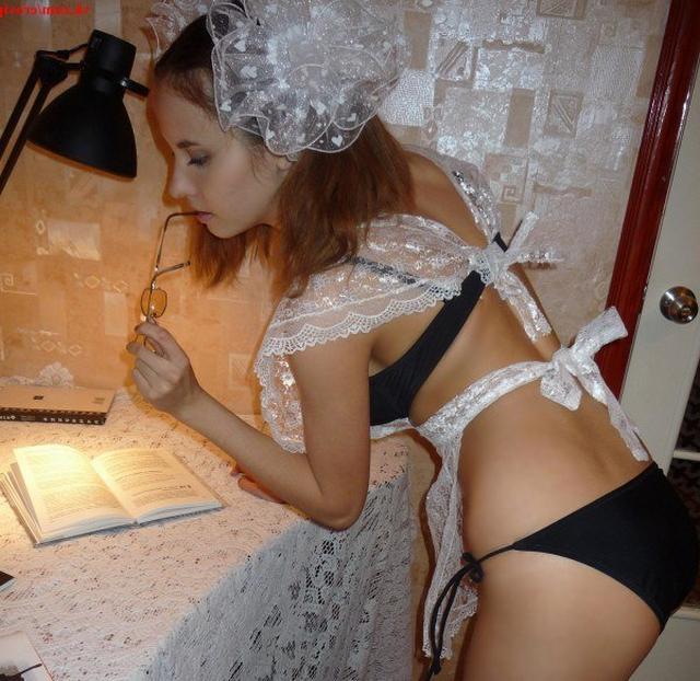 Игривая аспирантка поиграла с секс игрушкой - секс порно фото