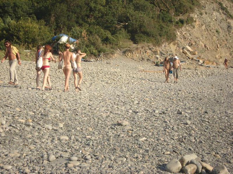 Стерва сверкает небольшими сиськами на пляже                                                                                       ыыыыыыыыыыыыыыыыыыыыыыыыыыыыыыыыыыыыыыыы - секс порно фото