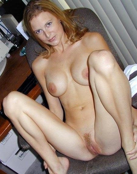 Одинокие мамаши демонстрируют бывалые пилотки - секс порно фото